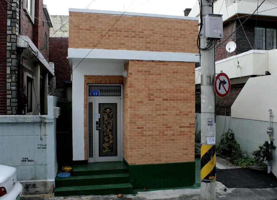 A 8-pyeong house