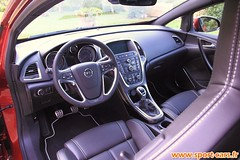 Opel Astra GTC OPC 10