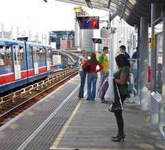 london beautiful station candid large bust tight canarywharf canong3 youngwoman dlr busty killerheels youngwomen docklandslightrailway denimjeans westindiadock