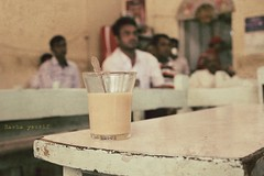 Bahraini Chai Latte (Rshrsho) Tags: old coffee shop vintage bahrain traditional coffeeshop latte chai oldmen bahraini muharraq qahwa المحرق محرق