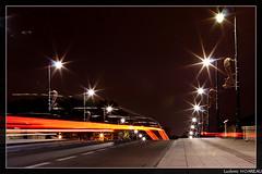 TRON_le film (Ludovic HOAREAU) Tags: pose rouge lumiere pont toulouse nuit garonne couleur feux jeux longue