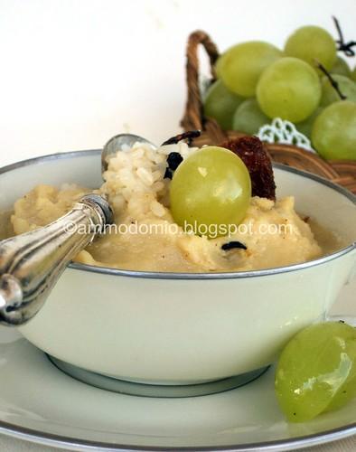 Purè di fave, riso e uva