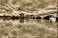 Hyde Park (Muzammil (Moz)) Tags: uk bridge lake london hydepark moz fisheyelense canon60d muzammilhussain