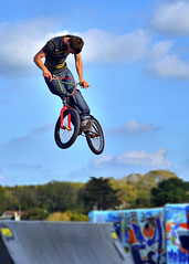 BMX Rider Bideford Skate Park (Nick Woodrow: Thanks for all of your comments) Tags: bike bicycle jump air bmw trick leap bideford foldrmonitr nikond50mm18