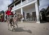 Donkey race in Lamu - Kenya (Eric Lafforgue) Tags: africa island kenya culture unescoworldheritagesite afrika tradition lamu swahili afrique eastafrica quénia lafforgue ケニア quênia كينيا 케냐 111915 кения keňa 肯尼亚 κένυα tradingroute кенијa