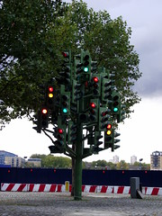 Traffic Light Tree (CoasterMadMatt) Tags: city uk greatbritain light england sculpture tree london art english photography traffic photos unitedkingdom britain pierre roundabout photographs gb british canarywharf vivant towerhamlets capitalcity 2011 trafficlighttree pierrevivant hiddenlondon secretlondon coastermadmatt