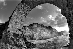 San Juan de Gaztelugatxe V (blanco y negro) (carlosolmedillas) Tags: sunset white fish black pez eye blanco monochrome atardecer ojo monocromo mar negro 8mm bizkaia hdr vizcaya peleng cantabrico gaztelugatxe