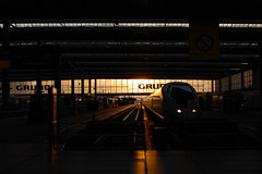 Mnchen Hauptbahnhof - Munich, Germany (fisherbray) Tags: sunset ice train germany munich mnchen bayern deutschland bavaria nikon db hauptbahnhof trainstation deutschebahn intercityexpress d40 mnchenhauptbahnhof fisherbray