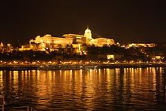 dove trovi un posto piu' magico di questo? (fedeFDM2) Tags: night hungary nacht budapest duna chateau schloss castello notte ungheria danubio