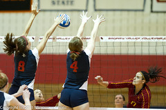 SVSU vs FSU (n8xd) Tags: girls woman net college sports girl female ball nikon women state action fsu ferris womens valley volleyball svsu shorts f2 vs volley collegiate univeristy 200mm pallavolo saginaw f20 voleibol plfoli 2011 glvc  siatkwka  volleyboll  gliac d3s  microwavephoto volleyeuse    eitpheil