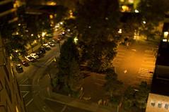 Mini Street (Curtis Gregory Perry) Tags: tilt shift miniature fake portland oregon street main park car track road parking lot arrow mini nikon d300 بورتلاند ولاية أوريغون портланд орегон 俄勒冈州波特兰市 俄勒岡州波特蘭市 πόρτλαντ όρεγκον પોર્ટલેન્ડ ઓરેગોન פורטלנד אורגון पोर्टलैंड オレゴン州ポートランド 포틀랜드 오레곤 پورتلند اورگان போர்ட்லேண்ட் ஒரேகான் ออริกอนพอร์ตแลนด์ پورٹلینڈ اوریگون פּאָרטלאַנד אָרעגאָן automóvil coche carro vehículo مركبة veículo fahrzeug automobil