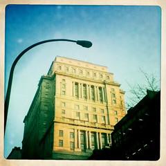 Sunlife Building, Montreal (jlborja66) Tags: apple ipod montreal touch sunlifebuilding hipstamatic jaimeborja