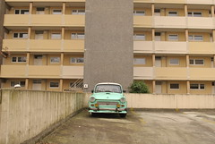 Mummelmannsberg, Hamburg (J@ck!) Tags: car germany deutschland automobile hamburg socialhousing midrise mummelmannsberg