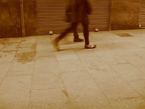Los pies vuelan a cada paso by Escribiras365