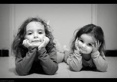 (Le***Refs *PHOTOGRAPHIE*) Tags: portrait bw white black love kids 50mm nikon nb portraiture enfants f18 mes d90 amours lerefs