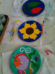 Painting plates (Lee Turner) Tags: holiday painting mexico cancun plates 2011