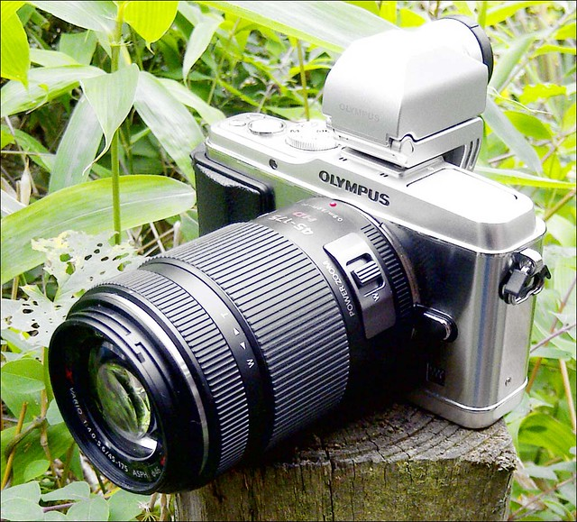OLYMPUS EP-3 Panasonic Lumix 45-175mm X lens