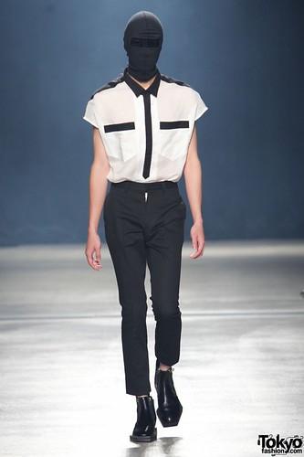 Banal-Chic-Bizarre-Menswear-Japan-Fashion-Week-2012-SS-010-600x900