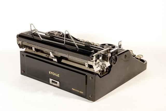 Etoile typewriter