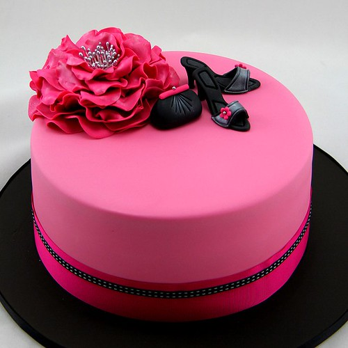 Hot pink glamour cake by Coco Jo Cakes