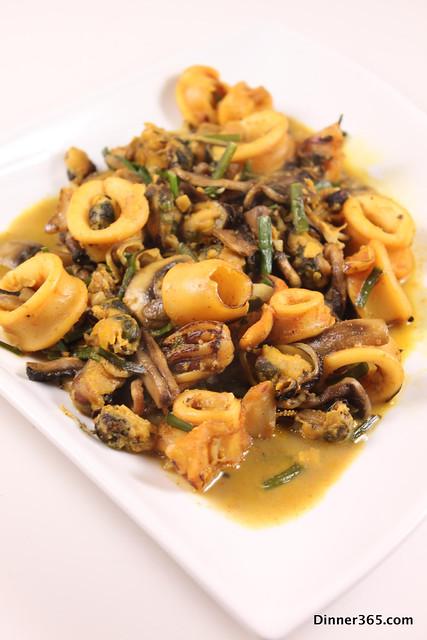 Day 315 - Squid-Mussel-Mushroom Stir Fry