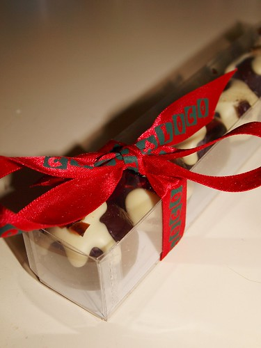 Cocoa Loco Christmas Pudding Truffle Review