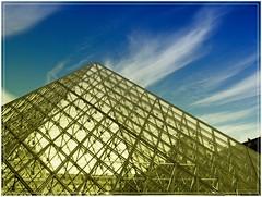 PIRMIDE LOUVRE (PARIS) (Sigurd66) Tags: paris france frankreich ledefrance pyramid louvre frana prizs francia pyramide parijs pars parigi pras rpubliquefranaise louvremuseum pary pyramidedulouvre lutetia frantzia pa paries francja museelouvre pariisi pariis pariz louvrepyramid par piramidelouvre parizo museolouvre parsi parze paryius paris pyramidlouvre fras paryzh brs pari