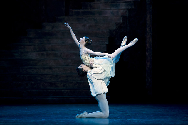 Lauren Cuthbertson as Juliet and Federico Bonelli as Romeo in Romeo and Juliet © Bill Cooper/ROH 2012
