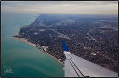 Chicago and Wilmette (Frank Kehren) Tags: chicago canon illinois lakemichigan f5 wilmette unitedairlines 24105 ef24105mmf4lisusm embraererj145 canoneos5dmarkii ua6061 bahaihouseofworship