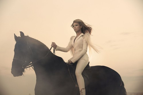 Beyonce – Run the World Girls Photoshoot pictures