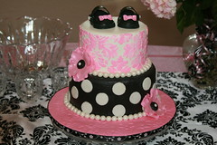 "Pink and black damask • <a style=""font-size:0.8em;"" href=""http://www.flickr.com/photos/60584691@N02/6224497063/"" target=""_blank"">View on Flickr</a>"
