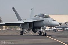 McDonnell Douglas F/A-18F Super Hornet (paparazzipizza) Tags: mcdonnelldouglas superhornet fa18f vfa122 californiacapitalairshow nasleemore 166882