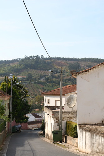 a dos francos - town stroll