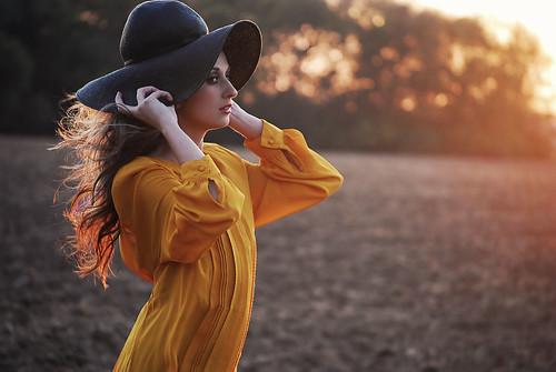 無料写真素材, 人物, 女性, ブラウス, 帽子, 人物  横顔・横を向く, アメリカ人