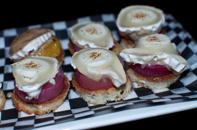 Beet and goat cheese salad minis