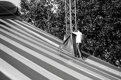 Artist at work (MEK40 (Fotodesign M. Heimann)) Tags: autumn blackandwhite bw sun white black detail work canon germany deutschland photography eos photo artist foto steel details hamburg september sw schwarzweiss tamron sonne arbeit weiss wedel schwarz stahl 550 arbeiten weis willkommhft 2011 schwarzweis 550d schulau flickraward tamron18270 eos550 eos550d