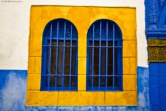 Yellow (iZak Ben (2nd)) Tags: ocean africa blue window yellow jaune handmade sigma wideangle peinture bleu medina fenetre rabat afrique grandangle oudaya mygearandme