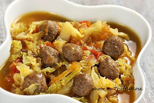 冷天的馬拉松湯。小肉丸子蔬菜湯-111028