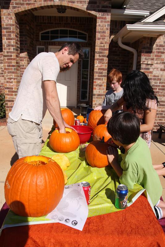 pumpkincarving-3
