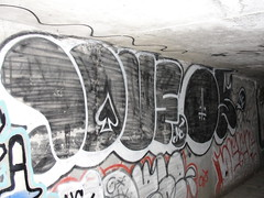 LOVE / OE (Lurk Daily) Tags: love graffiti bay nc south oe