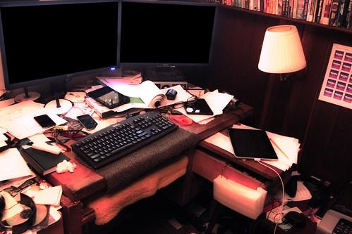 Dan Zen Desk