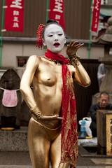 金粉ショー 大須の壁紙プレビュー
