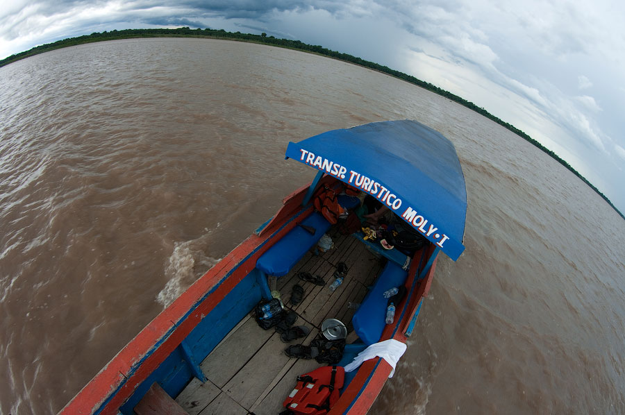 Старушка Молли на Амазонке. Амазонка, Перу 2011 © Kartzon Dream - авторские путешествия, авторские туры в Перу, тревел видео, фототуры