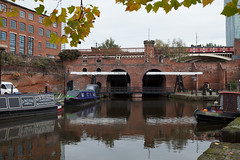 Canal (dive-angel (Karin)) Tags: england reflection tree manchester boats ships boote canals kanal spiegelung schiffe castlefield 2470mm eos5dmarkii ontourwithnane