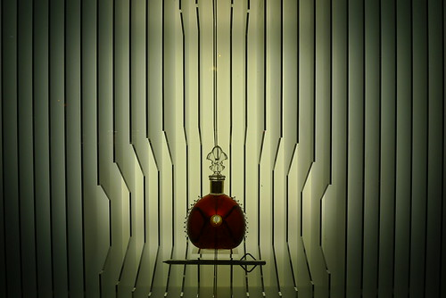 Vitrine Le jeroboam Louis XIII Remy Martin chez Lavinia - Paris, novembre 2011