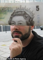 Moneyfacing  Queen Beard