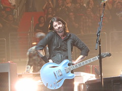 Foo Fighters - Dave Grohl (Peter Hutchins) Tags: dc concert live davegrohl 2011 chrisshiflett taylorhawkins patsmear natemendel verizoncenter foofighter