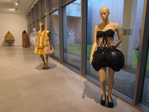 Halina Mrozek: Between Sculpture and Fashion