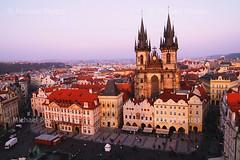 Prague Old Town Square (michael ) Tags: voyage city trip canon europa europe czech prague praha tokina    ville 30d  tchque