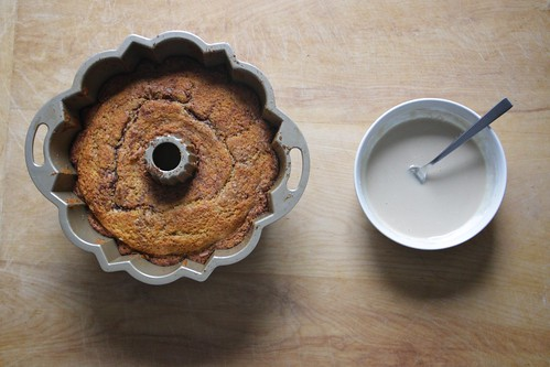 mom'e sour cream coffee cake